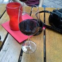 Das Foto wurde bei s'Eck Bier & Wein Bar von Alex L. am 5/16/2013 aufgenommen