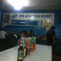 Photo taken at Mie Ayam Pak Robet by hesti a. on 8/27/2014