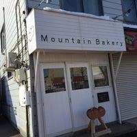 Photo taken at マウンテンベーカリー by torada on 3/11/2016