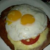 Photo taken at El Club de la Milanesa by Anastasio D. M. on 1/21/2012