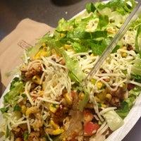 Foto tirada no(a) Chipotle Mexican Grill por 👑 Leigh em 8/1/2012