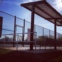 Photo taken at 41st Street Tennis Courts by John jahsen P. on 4/14/2012