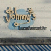 Foto tirada no(a) Johnny's Luncheonette por Bill G. em 12/14/2012