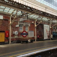 Photo taken at Hammersmith London Underground Station (Circle and H&C lines) by Nasos E. on 6/22/2013