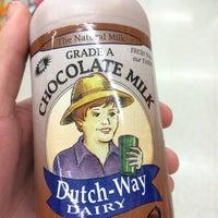 Photo taken at Dutch-Way Farm Market by Davis S. on 5/26/2014