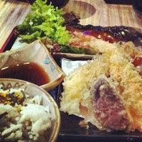 Photo taken at Kuru Kuru Japanese Restaurant by Glenn L. on 12/8/2012