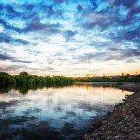 Das Foto wurde bei Набережная в Коломенском von sixshooter am 10/17/2012 aufgenommen