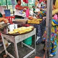 Photo taken at Bazar Ramadhan Setiawangsa by > A. on 6/16/2016