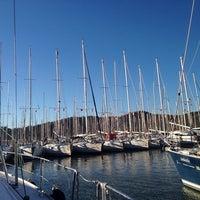 Foto tirada no(a) Ece saray marina por Ö. Ö. em 12/8/2013
