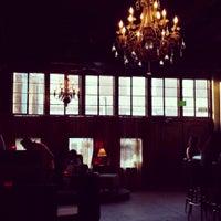 8/8/2013 tarihinde Blake B.ziyaretçi tarafından Twilite Lounge'de çekilen fotoğraf