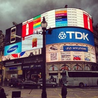 Photo taken at Piccadilly Circus by Ziad🇬🇧 on 5/29/2013