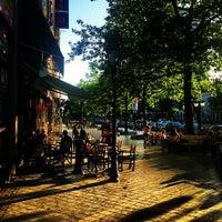 Photo taken at Gulden Vlies / Toison d'Or by Olivier V. on 7/28/2013