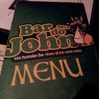 Foto tirada no(a) Bar do John por Breno F. em 6/4/2013