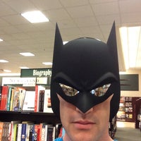 Photo taken at Barnes & Noble by Darren M. on 9/12/2015