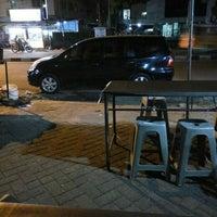 Photo taken at Jalan Iskandar Muda by Zulhidayat A. on 4/30/2016