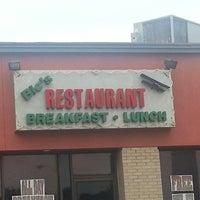 Photo prise au Bic's Restaurant par Michelle C. le6/15/2013