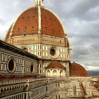 Photo taken at Cattedrale di Santa Maria del Fiore by Yusuke F. on 3/9/2013