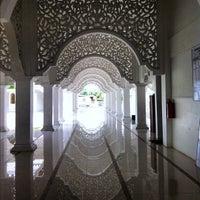 Foto scattata a Masjid Sultan Ismail (Masjid Raja Chendering) da Z Z. il 1/7/2013