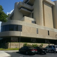 Photo taken at Prince Jonah Kuhio Federal Building by Pocho N. on 8/21/2013