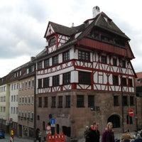 Das Foto wurde bei Albrecht-Dürer-Haus von Simone P. am 4/16/2013 aufgenommen