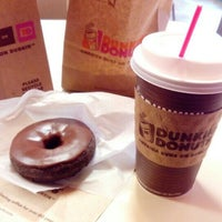 Photo taken at Dunkin' Donuts by Simone P. on 4/26/2016