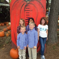 Photo taken at Uncle Bobs Pumpkin Patch by Brian A. on 10/25/2015
