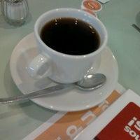 Photo taken at Vips by Eduardo M. on 10/20/2012
