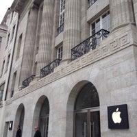 Das Foto wurde bei Apple Kurfürstendamm von Maike O. am 5/1/2013 aufgenommen