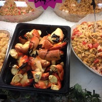 Photo taken at Gibby's Seafood Market by 🐸Julie🍀🌺 B. on 12/24/2013