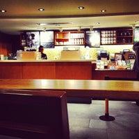 Foto tomada en Starbucks por Oswaldo M. el 6/30/2013