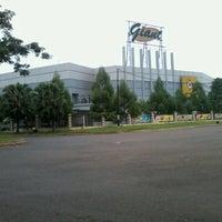 Photo taken at Giant Hypermarket by Sagitara E. on 11/12/2012