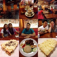 Photo taken at Uncle Loe Coffee & Toast by Soraya A. on 4/2/2014