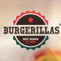 1/20/2014 tarihinde engin l.ziyaretçi tarafından Burgerillas'de çekilen fotoğraf