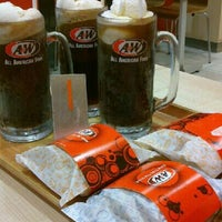 Photo taken at Restaurant A&W Pekan by muhammad azgar z. on 10/26/2012