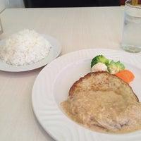 Photo taken at Taverne by Takayuki I. on 12/3/2014