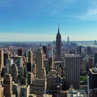 Foto tomada en Top of the Rock Observation Deck  por Anthony G. el 6/5/2013