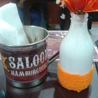 Photo taken at saloon hamburgueria by Felipe D. on 3/16/2014