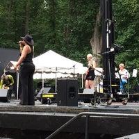8/30/2014 tarihinde Tonya G.ziyaretçi tarafından Carter Barron Amphitheatre'de çekilen fotoğraf