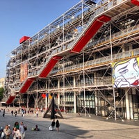 Photo taken at Pompidou Centre – National Museum of Modern Art by Rodri on 7/12/2013