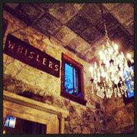 รูปภาพถ่ายที่ Whisler's โดย Holly C. เมื่อ 6/14/2013