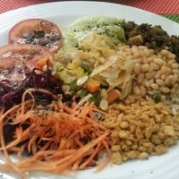 Photo taken at Mãe Natureza - Restaurante Vegetariano by Raíza W. on 12/22/2012
