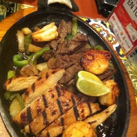 Photo taken at Chili's by Fernando S. on 12/12/2012