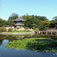 Photo taken at Gyeongbokgung by Mina B. on 9/24/2012