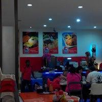 Photo taken at Chicken Delight 喜愛雞 by Gerard L. on 10/5/2014