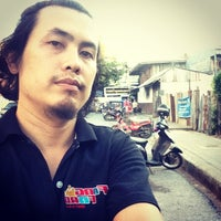 Photo taken at ตลาดสดสีคิ้ว by อ่อน ละมุน อ. on 8/12/2014