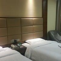 Photo taken at Shanshui Zhongtian International Hotel by Panjama C. on 2/10/2017
