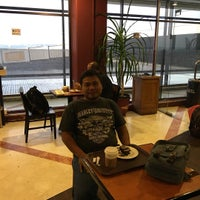 Photo taken at The Coffee Bean & Tea Leaf by Mahendra A. on 11/3/2016