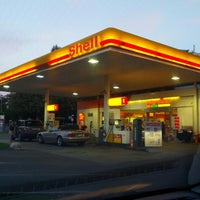 Photo taken at Shell Gradelle by Thomas K. on 9/17/2012