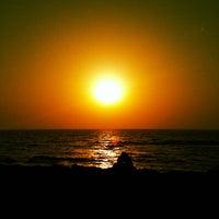Photo taken at Priyadarshani Park Sea View by Harshil M. on 5/1/2013