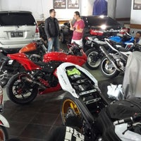 Photo taken at Positive Prosport by Jhab_07 on 1/14/2014